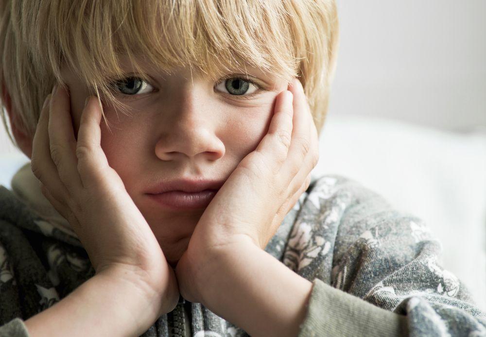 Resultado de imagen de niño pensando mucho